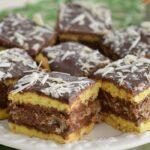 Prăjitura Regina Maria. Rețeta veche cu nucă și cacao