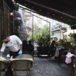 La ce oră se închid terasele. Reguli mai stricte în România