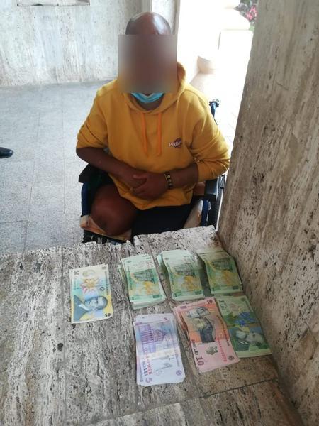 Câți bani câștigă un cerșetor în România. În 3 ore a făcut jumătate din pensia minimă!