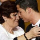 """Ronaldo nu trebuia să se nască. """"Am vrut să-l omor bând bere neagră și alergând până leșinam. S-a încăpățânat să trăiască"""""""