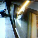 Incident grav în Capitală! O tânără de 20 de ani s-ar fi aruncat în fața metroului
